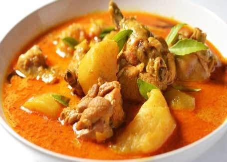 Banyak sekali jenis soto ayam yang pernah kami share kepada anda semua yaitu seperti resep soto ayam lamongan, resep soto madura dan resep soto kudus. RESEP & CARA MEMBUAT KARI AYAM PEDAS GURIH - Aneka Resep Masakan Ayam Enak