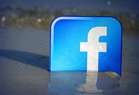 Facebook Beachfront | Please feel free to use this image und… | Flickr