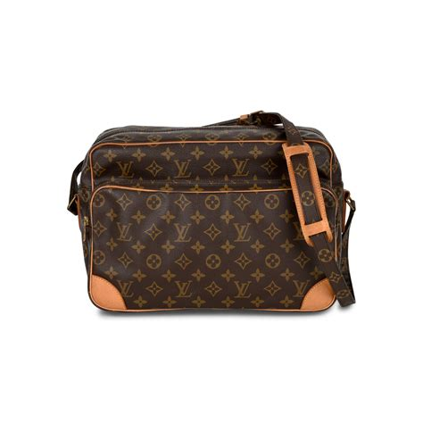 authentic  hand louis vuitton monogram camera bag pss     collection