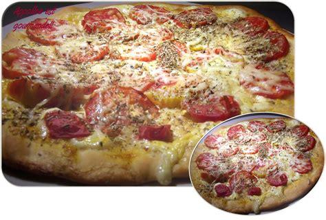 recette de pate a tarte facile recette facile de tarte 224 la tomate appoline est gourmande