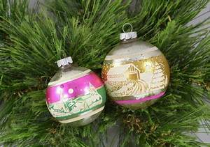 Vintage Christmas Tree Decorations & Retro Xmas Ideas