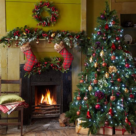 tree decorating ideas how to decorate your tree housekeeping