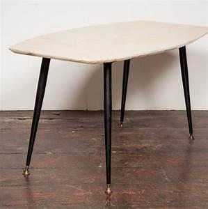Table Plateau Marbre : table basse avec plateau en marbre italie 1950s en vente ~ Teatrodelosmanantiales.com Idées de Décoration