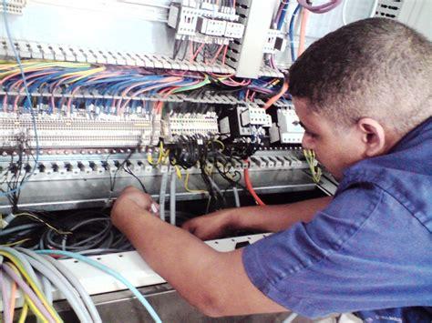 technicien electricite ccmr