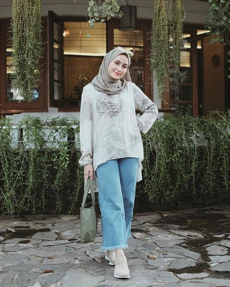outfit simple  kuliah