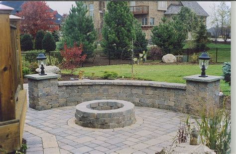 patio retaining wall with lights outdoors