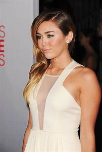 Miley Cyrus at the 2012 People's Choice Awards at Nokia ...