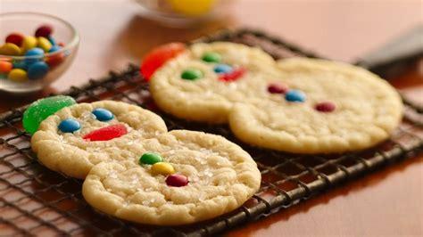 spiral snowmen cookies recipe pillsburycom