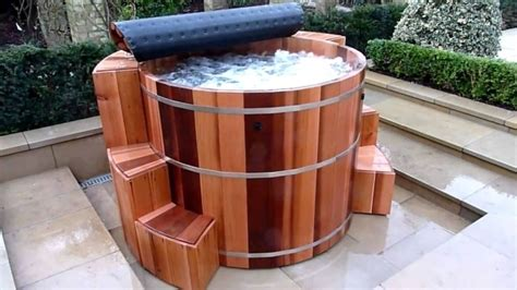 cedar soaking tub cedar soaking tub bathtub designs