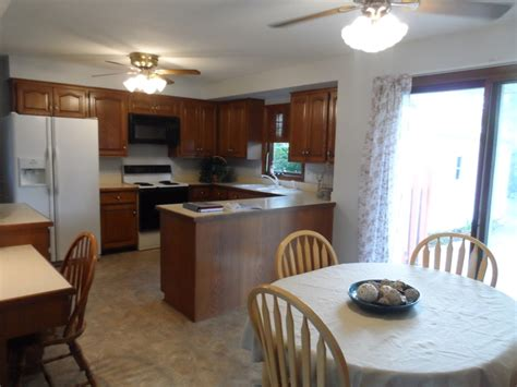 country kitchen marion ia new listing 1915 country club drive marion iowa 52302 6100