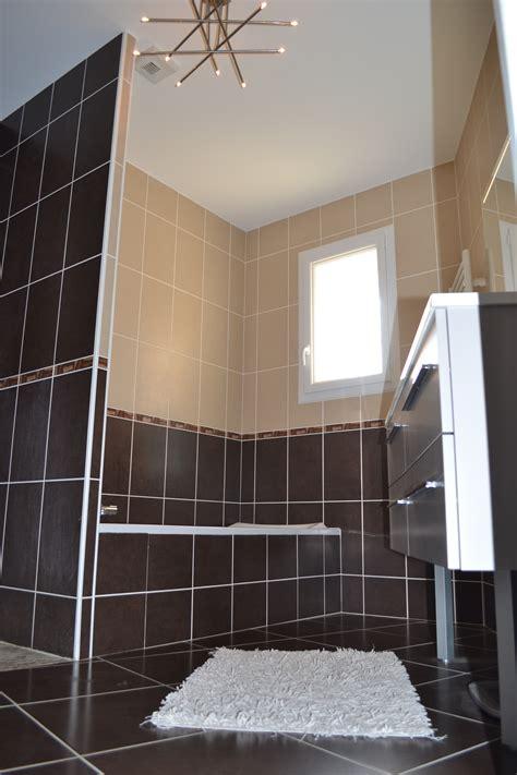 salle de bain marron et beige photo 3 7 3513780