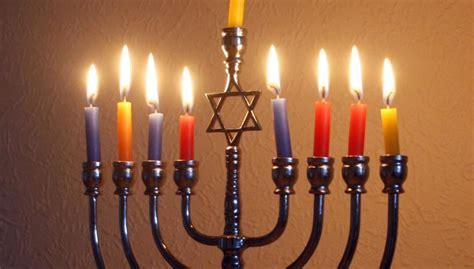 Light The Menorah by What Is The Correct Way To Light The Hanukkah Menorah