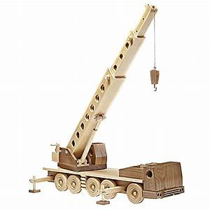 Construction-grade Truck Crane Woodworking Plan from WOOD