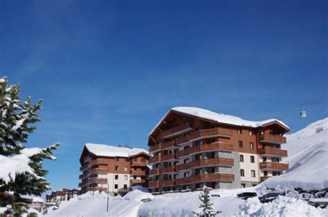 les chalets de l adonis les menuires residence les chalets de l adonis les menuires alpes avec voyages leclerc locatour
