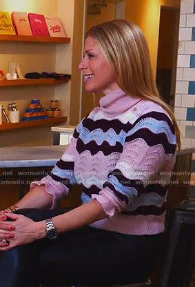 WornOnTV: Jill's pink zig-zag striped turtleneck sweater ...