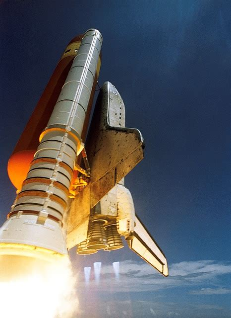 space shuttle start discovery  photo  pixabay