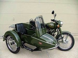 Sidecar Royal Enfield : royal enfield with side car in military green rides pinterest royal enfield military and ~ Medecine-chirurgie-esthetiques.com Avis de Voitures