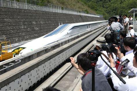 japans built  maglev passenger train  travels