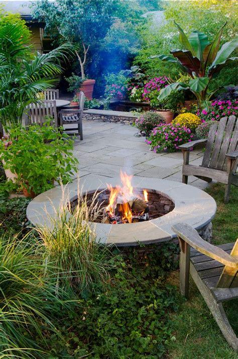 Backyard Business Ideas by Best 10 Tropical Backyard Ideas On