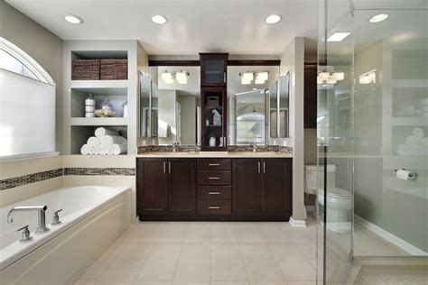 big bathroom trends    homes  storm
