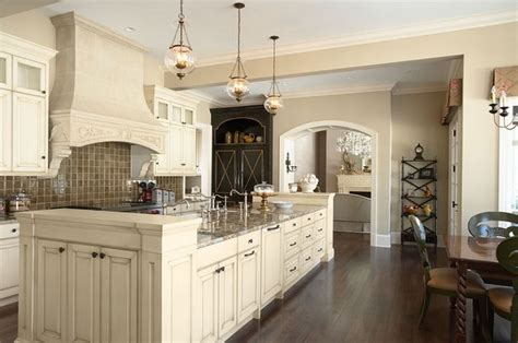 what color for kitchen 25 best images about welcoming warm neutrals warm paint 7034