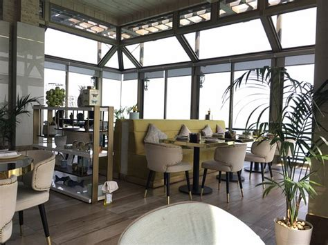 ambiance picture  sunroom cafe  restaurant al