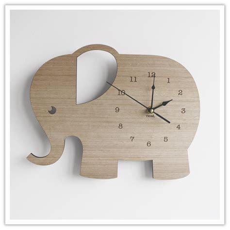 Babyzimmer Wandgestaltung Elefant by Elephant Wall Clock Wood Interior Decoration