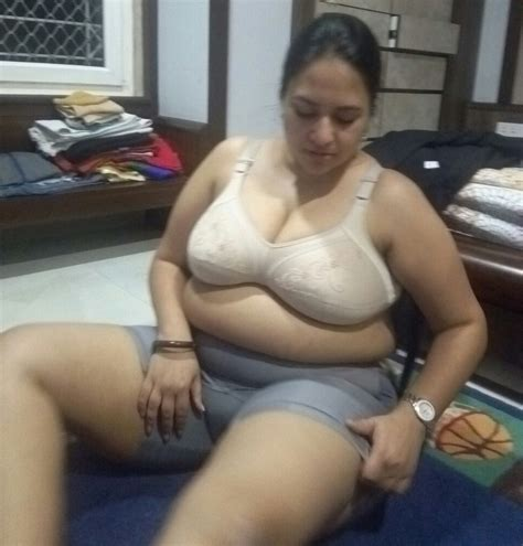 Hot Chubby Fat Aunt Naked Pics – Pakistani Sex Photo Blog