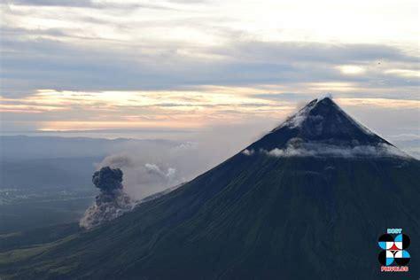 eruption  mayon volcano luzon island philippines
