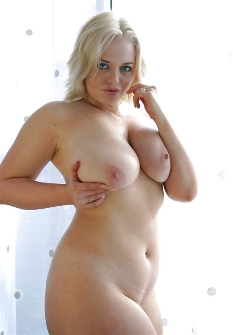 sexy curvy milf lindsey 5 naked by the window 37 pics