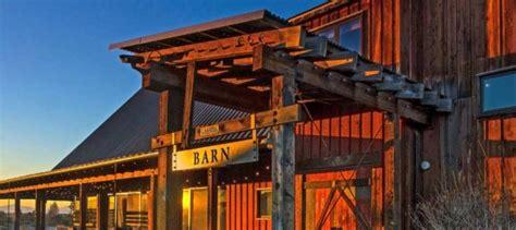 barn wedding venues  oregon oregon barn wedding