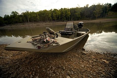 Jon Boat Hull Types by Research 2013 Lowe Boats Frontier 1860 Tunnel Jet On