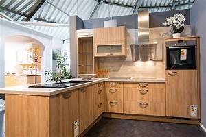 Küche Auf Vinylboden Stellen : einbauk chen zum genie en jetzt anschauen ~ Markanthonyermac.com Haus und Dekorationen