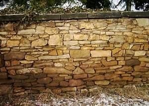 Freistehende Mauer Bauen : frei stehende natursteinmauer bauen ~ A.2002-acura-tl-radio.info Haus und Dekorationen