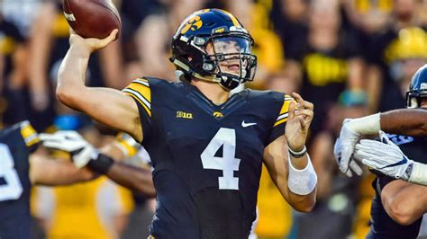 outback bowl odds  mississippi state  iowa