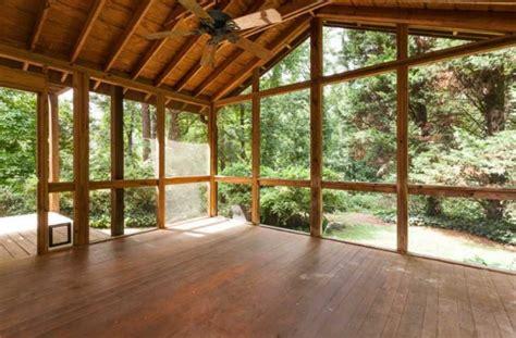 clean  screened porch  diy bungalow