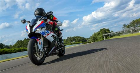 bmw srr  drive review burning   track