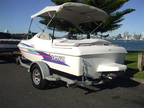 Donzi Jet Boat Engine by Donzi Medallion 152 Engine Fail Page 1 Iboats Boating