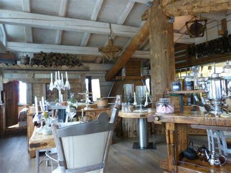 maison des bois marc veyrat salle du restaurant photo de la maison des bois marc veyrat manigod tripadvisor