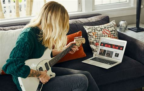 Fender are offering more free guitar lessons on their ...