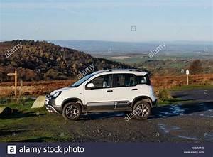 Fiat Panda 4x4 Cross : fiat panda stock photos fiat panda stock images alamy ~ Maxctalentgroup.com Avis de Voitures