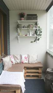 Sitzmöbel Aus Paletten : ecksofa aus paletten auf dem balkon praktisch pinterest der balkon ecksofa und balkon ~ Sanjose-hotels-ca.com Haus und Dekorationen