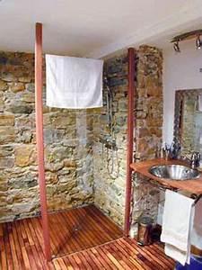 Salle De Bain Exotique : douche salle de bain italienne receveur bois exotique ~ Teatrodelosmanantiales.com Idées de Décoration