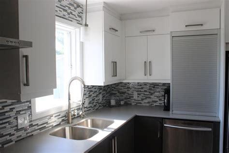 ton cuisine personnalisé armoires de cuisine en polymère deux tons comptoir dekton
