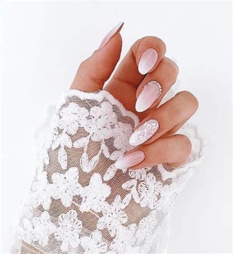 manicure slubny manicure na wesele elle wedding trendy wiosna lato  moda uroda