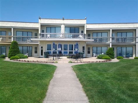 Yarmouth Hotels Motels Surf And Sand Beach Motel South