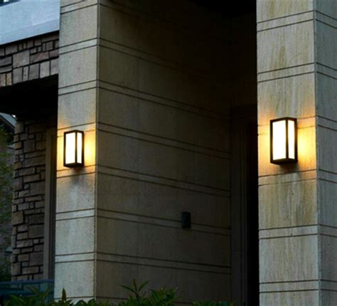 model lampu hias dinding teras klasik menawan rumah