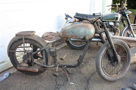 Abandoned & Neglected Motorcycles Rotting Away...