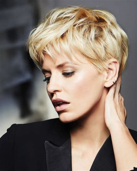 hey ladies   short haircuts   faces inspirations   choose   hairstyles