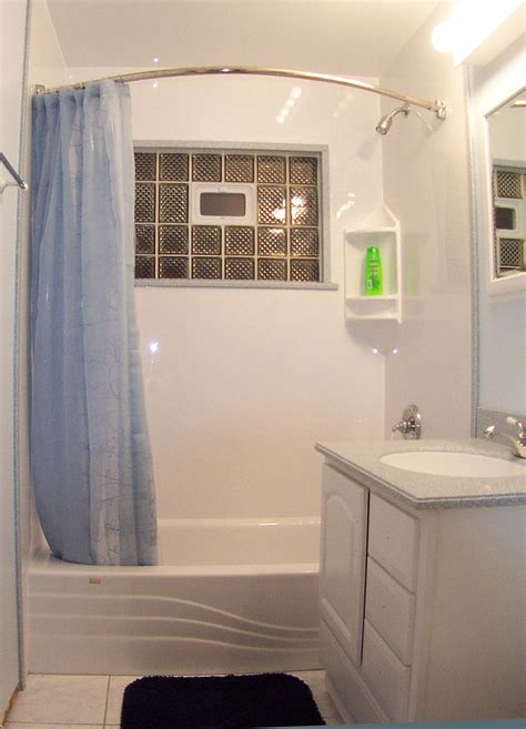 stylish small bathroom design ideas   space efficient